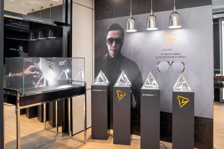 宇宙最強甄子丹眼鏡品牌 「DonniEYE」登陸澳門黎人譽一鐘錶